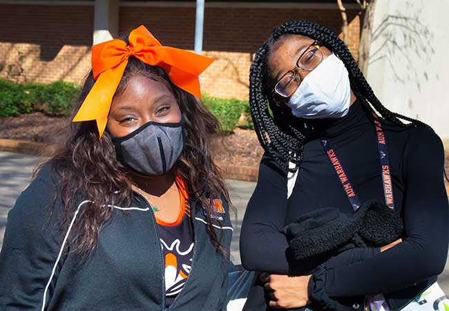 AUM-Homecoming-2021-games-in-the-Quad-5