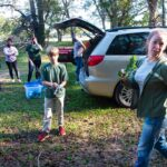 007--Invasive-plant-removal-on-walking-trail
