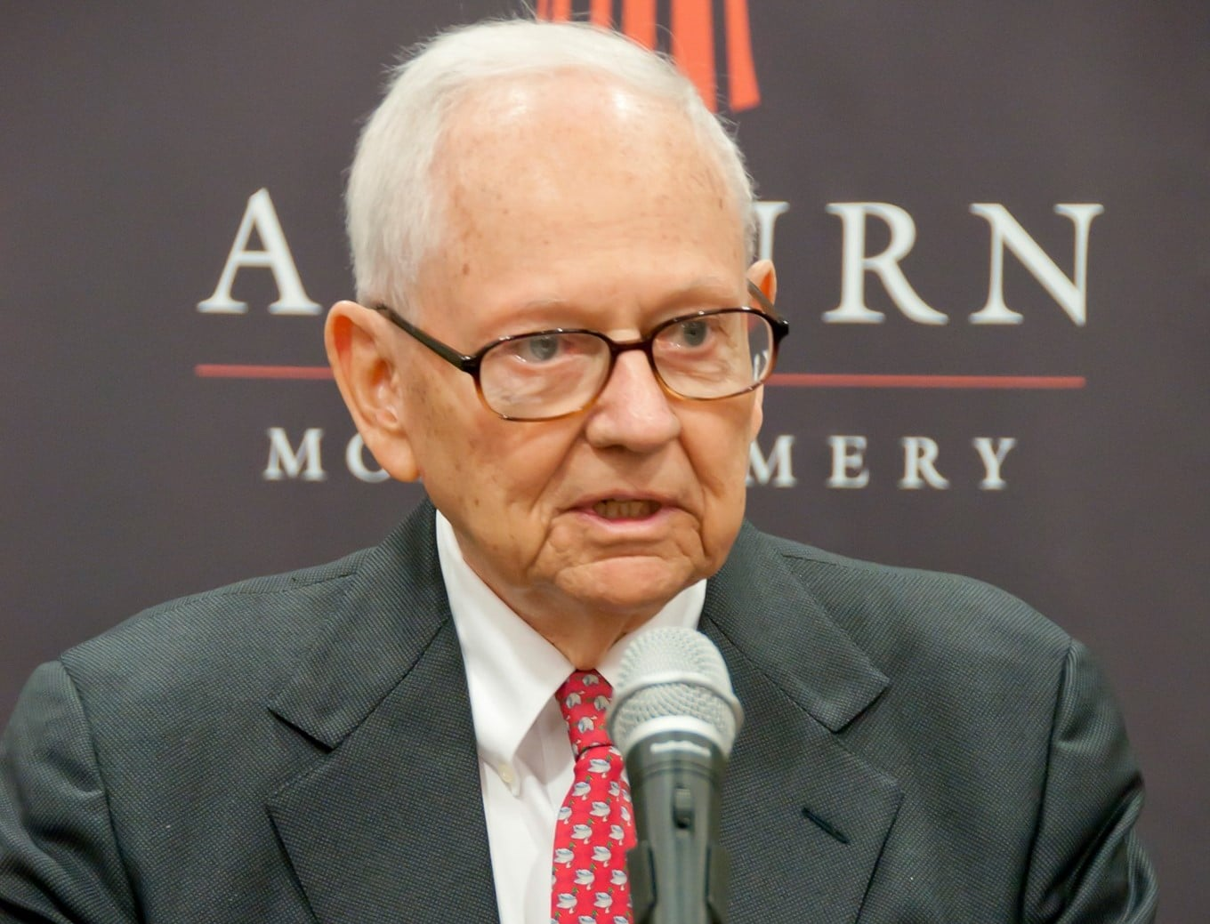 AUM community mourns passing of Watson Robbins Taylor